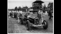 Tazio Nuvolari su Alfa Romeo a Monza nel 1932