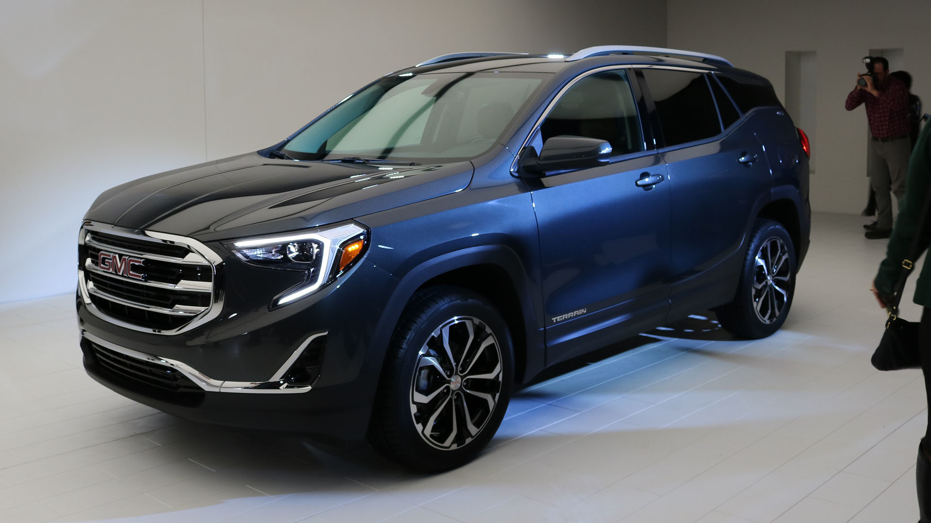 detroit compact slashgear moves to all small at turbocharged gmc terrain suv line auto tags up