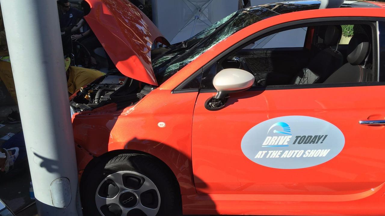 Fiat 500e LA auto show crash