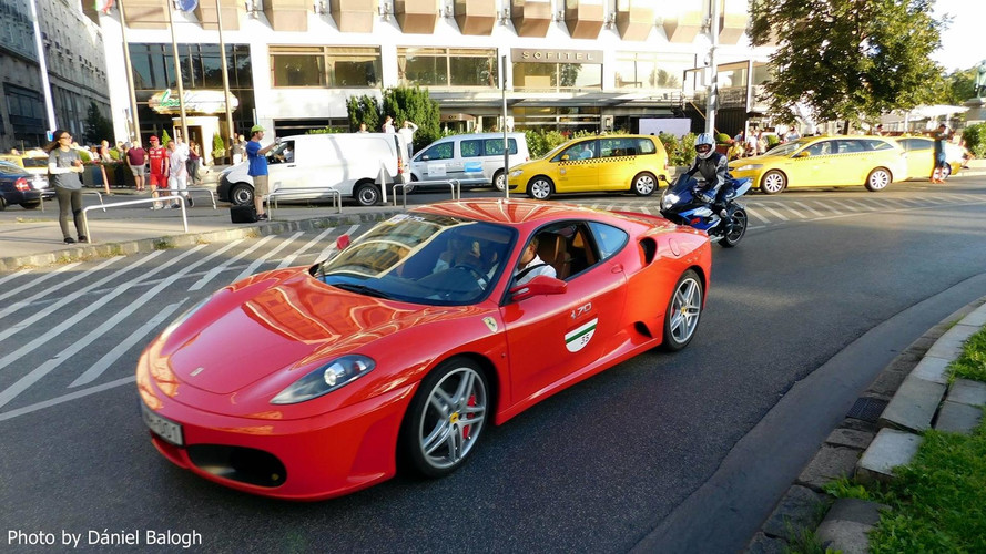 Ellepték a Ferrarik Budapest belvárosát