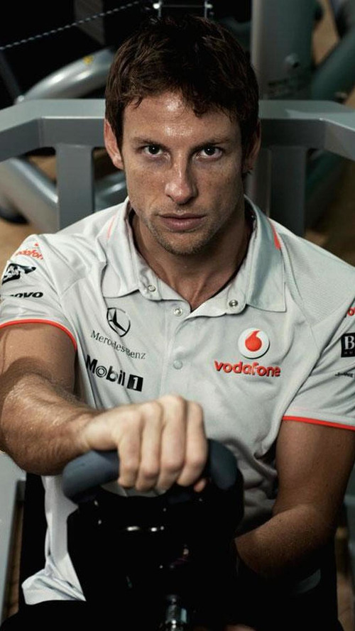 McLaren eyes Vettel but Button wants to stay