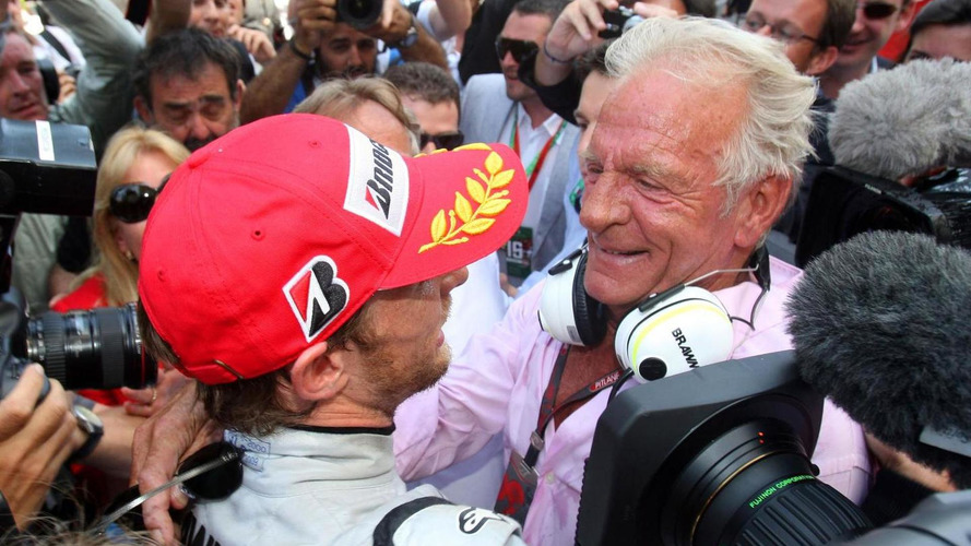Jensen Button's father John dies at 70