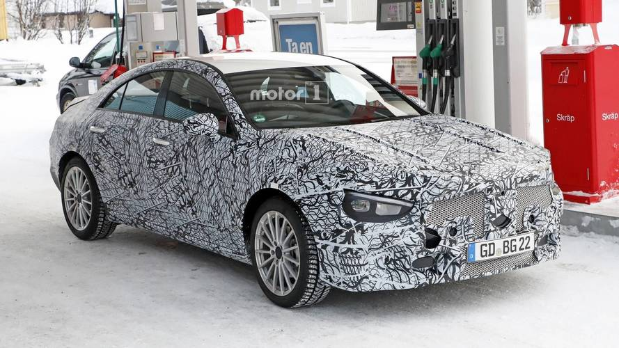 Nuova Mercedes CLA, proseguono i test su strada