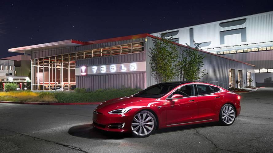 A Tesla vezetőivel tárgyalt Varga Mihály pénzügyminiszter