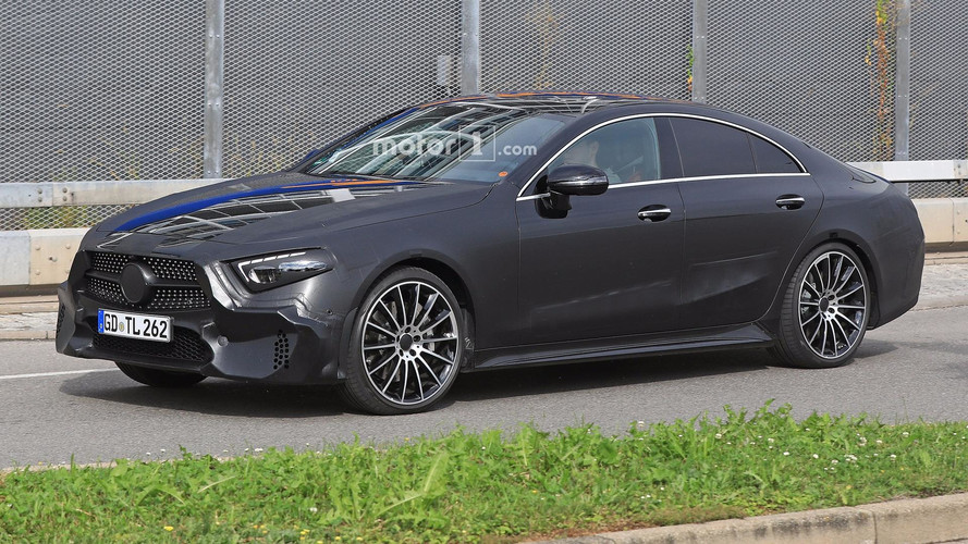 Mercedes CLS Kasım'da, dört kapılı AMG GT Ocak'ta geliyor