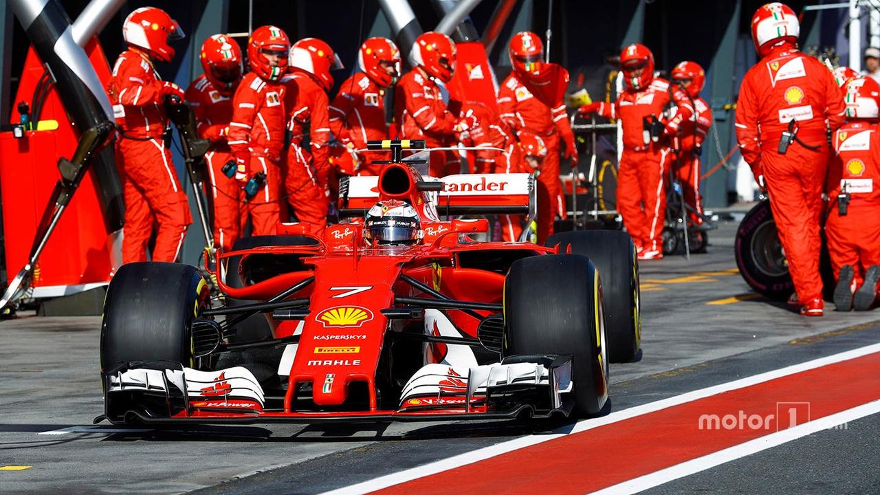 Kimi Raikkonen, Ferrari SF70H, leaves the pits