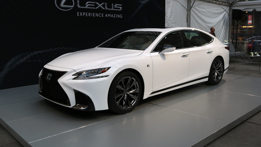 New York 2017 - La Lexus LS 500 enfile sa tenue de sport