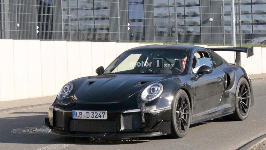 2018 Porsche 911 GT2 spy photos