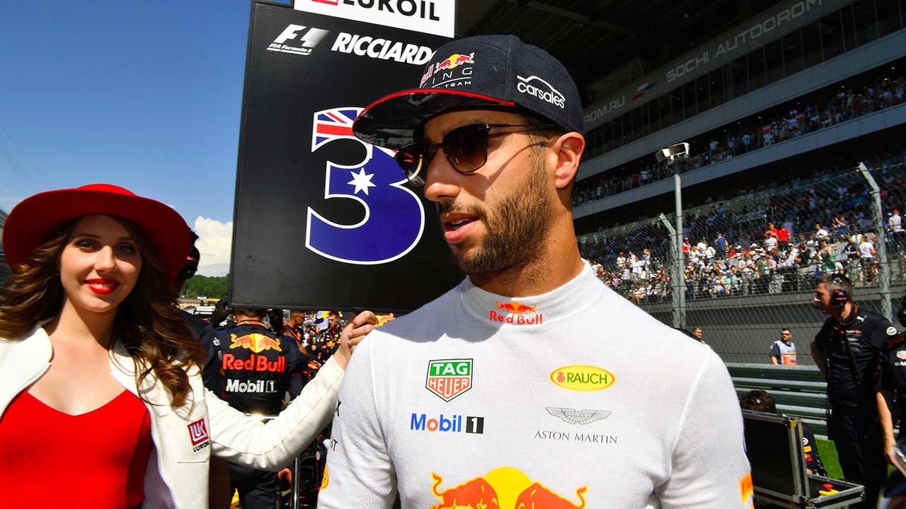 Daniel Ricciardo elogia a Roberto Merhi