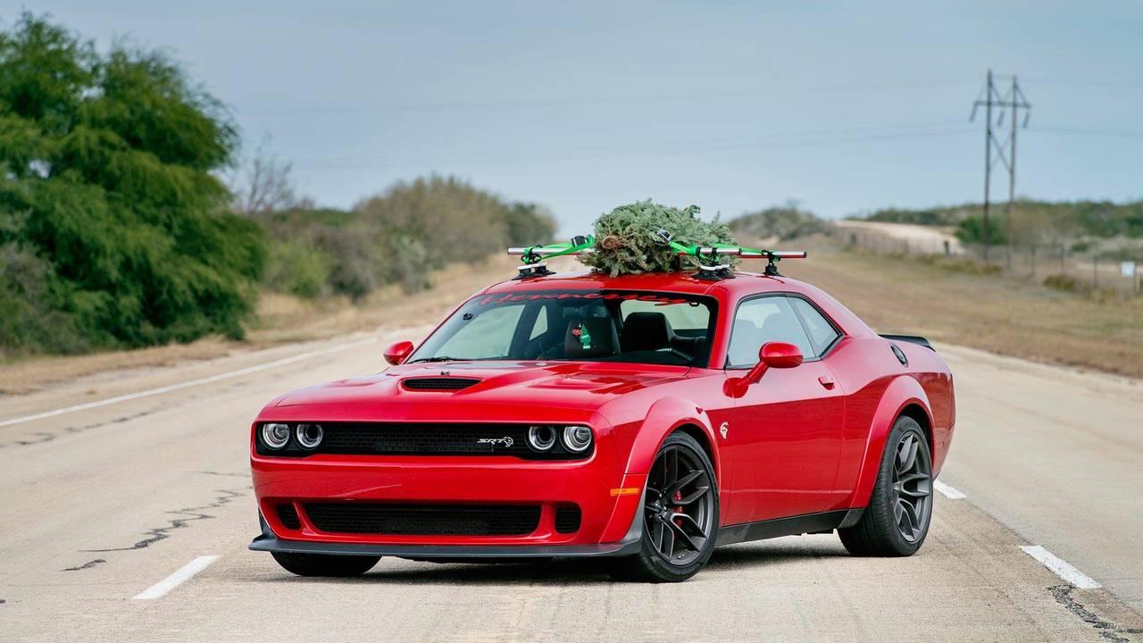 Hennessey Dodge Challenger árbol de Navidad