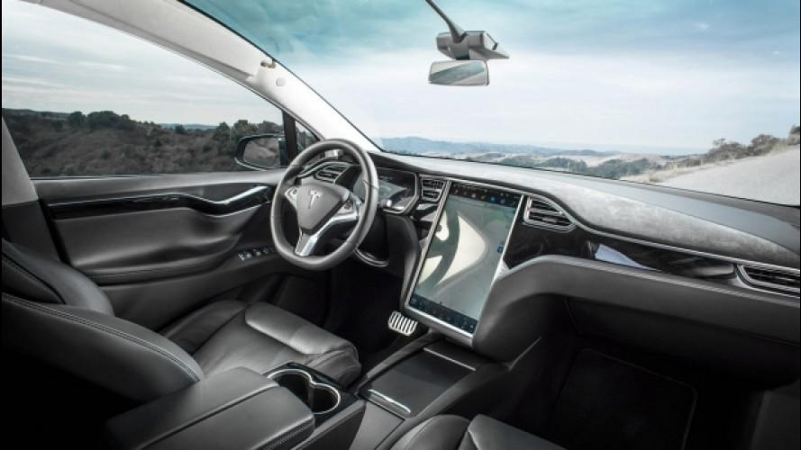 """Tesla, la Model X """"salva-vita"""" fa scalpore"""