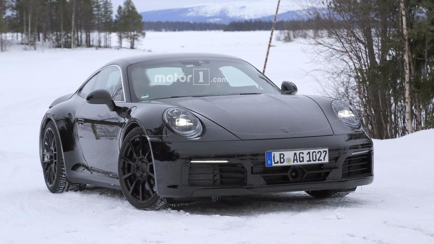 Fotos espía del Porsche 911 2019 (con los pilotos del Mission E)