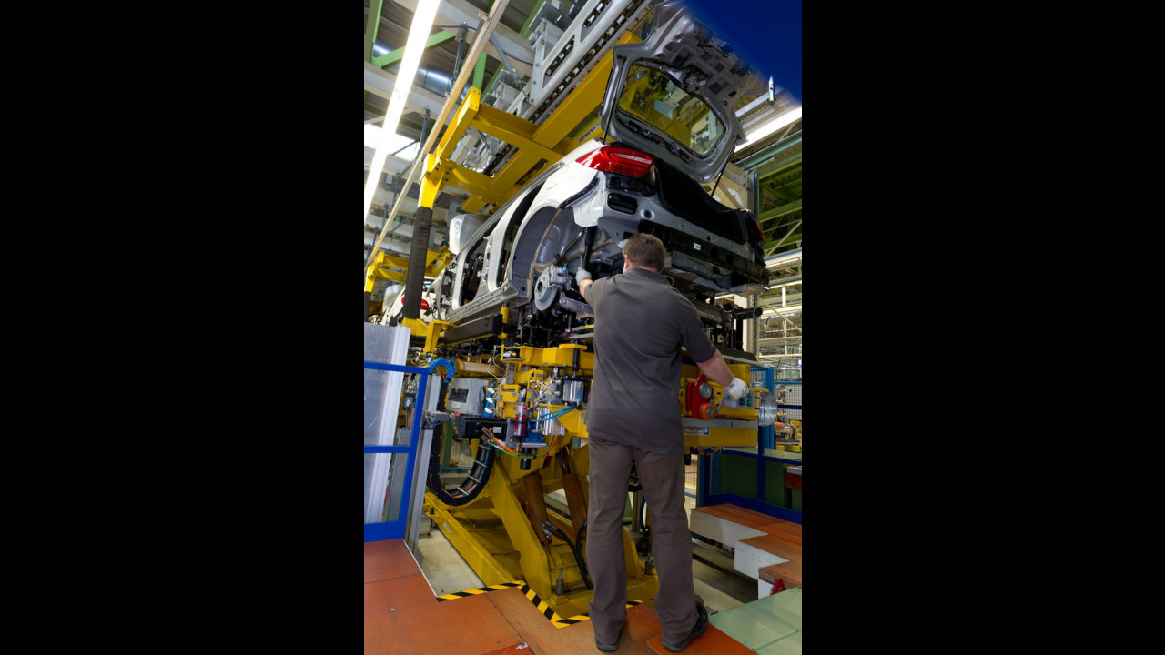 Nuova Mercedes Classe A, la produzione