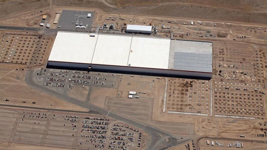 Tesla, açacağı Gigafactory ile batarya üretimini ikiye katlamayı planlıyor