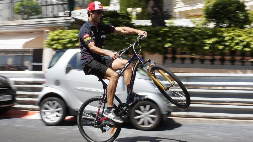 Ricciardo to slim down for 2014 cockpit - Marko