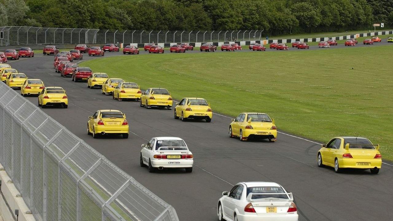 Mitsubishi Lancer Register Breaks World Record