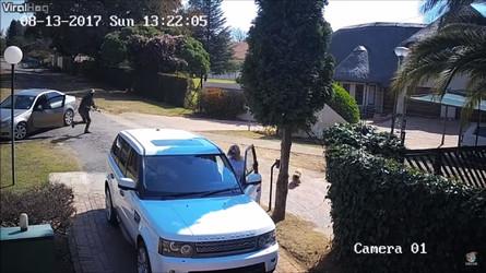 VIDÉO - Un couple en Range Rover Sport échappe à un car-jacking