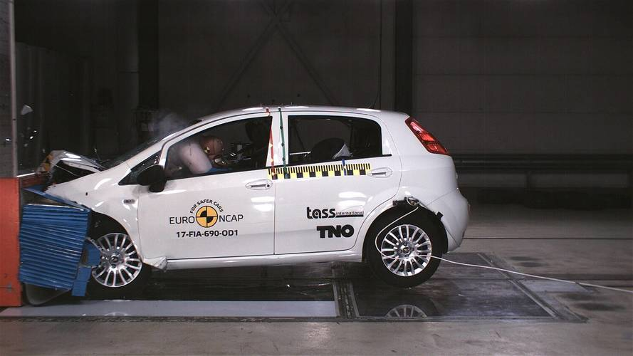 Crash-test - La Fiat Punto s'effondre