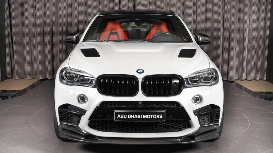 BMW X6 M con kit de fibra de carbono, en Abu Dhabi Motors