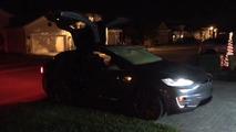 Tesla Model X Christmas light show