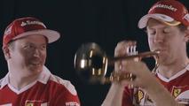 Kimi Raïkkönen et Sebastian Vettel prennent un cours de trompette