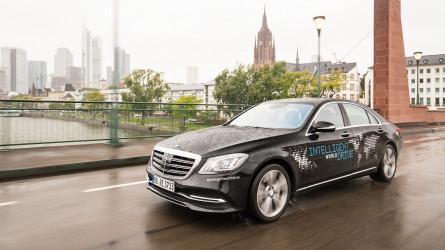 Mercedes, tour di 5 continenti per la guida autonoma globale