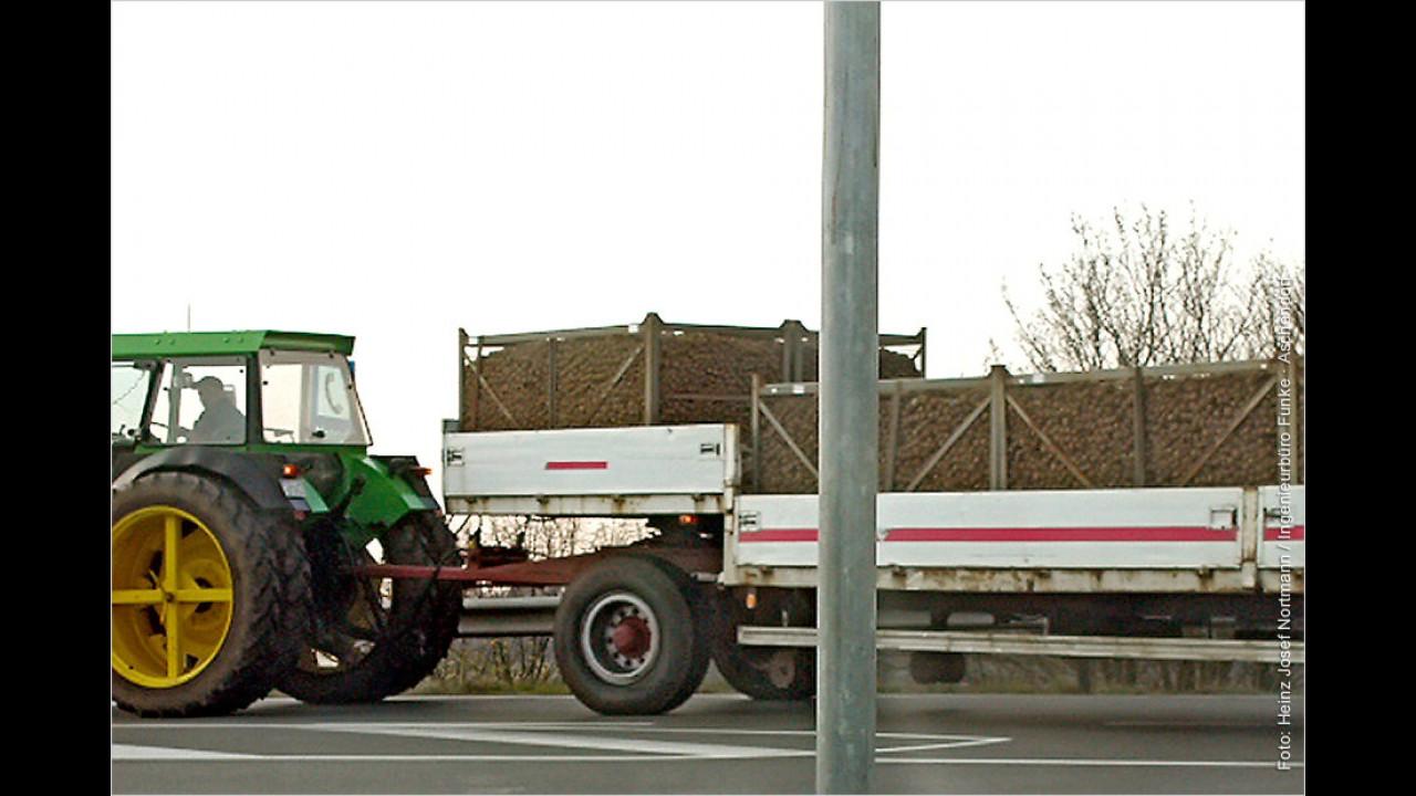 Traktor und Sattelauflieger – das passt nicht zusammen