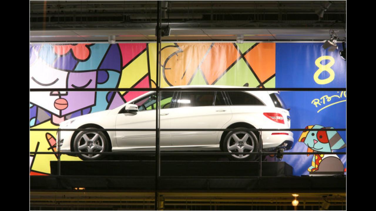 8. Dezember: Mercedes R-Klasse, mit Romero Brittos ,Goog dog