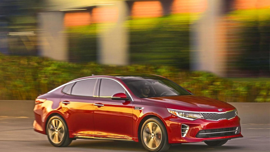 2016 Kia Optima unveiled in New York with three different engines