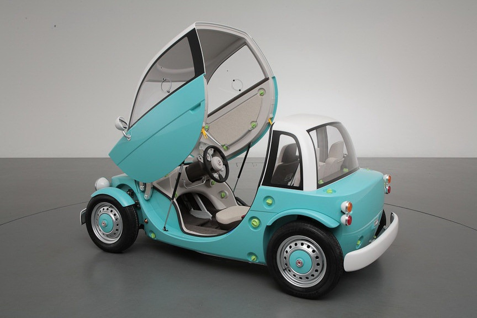 Toyota Camatte Concept is Fun For the Whole Family