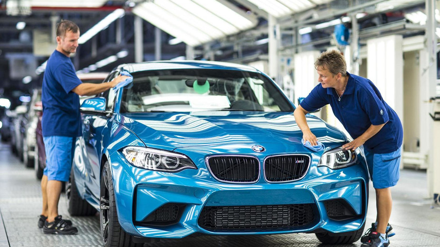 2016 BMW M2 Coupe goes into production