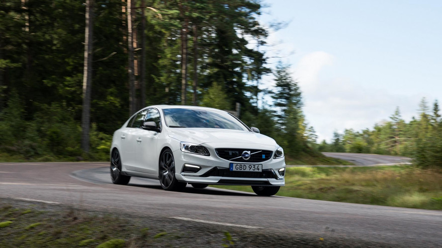 Los Volvo S60 y V60 Polestar 2018 estrenan un kit de carrocería en carbono