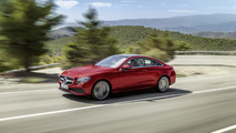 Mercedes Clase E Coupé rojo