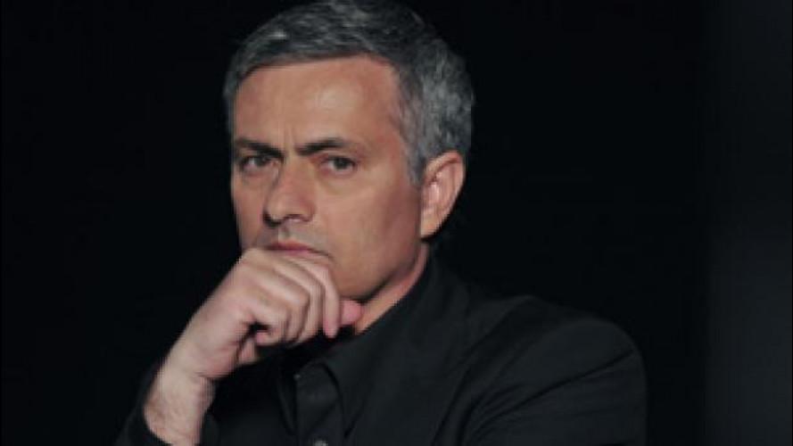 José Mourinho è il primo acquirente di Jaguar F-Type Coupé