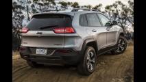 Jeep é obrigada a trocar motor de Cherokee usado em teste de longa duração