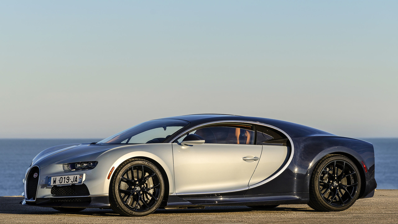 bugatti chiron needs more advanced tires to hit 300 mph. Black Bedroom Furniture Sets. Home Design Ideas