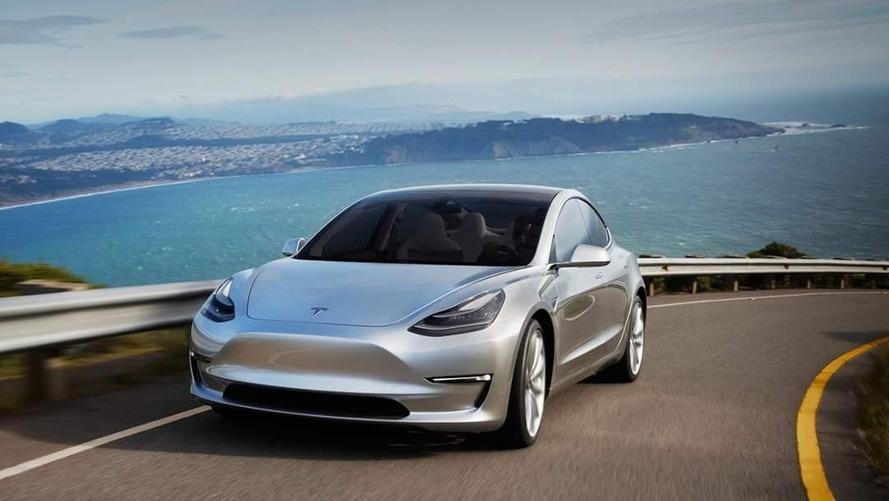 VIDÉO - La Tesla Model 3 en vadrouille près de SpaceX
