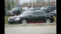 Novo Chrysler 300C 2012 é flagrado sem disfarces