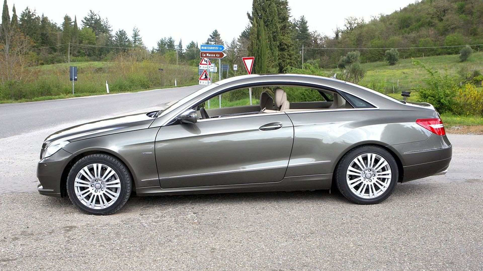 2010 mercedes e class coupe is based on w204 c class platform